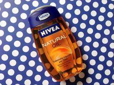 Resenha do Natural Oil Nivea, um sabonete líquido em forma de óleo que limpa e hidrata a pele ao mesmo tempo, deixando tudo cheiroso e gostoso de tocar!