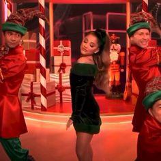 Ariana Grande Baby, Ariana Grande Singing, Ariana Grande Music Videos, Ariana Video, Ariana Grande Dangerous Woman, Sam And Cat, Ariana Grande Wallpaper, Her Music, Moonlight