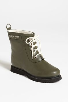 12 Rain Boots That Could Totally Pass For Office Shoes #refinery29 http://