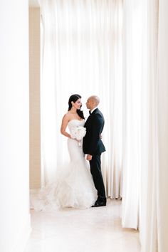 The Raleigh Hotel Miami Wedding | Studio 1208 | Bridal Musings Wedding Blog 52