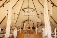 @boutipi are holding two exciting events this October for Yorkshire wedding couples to view its amazing tents and tipis.  There's a daytime showcase on Sunday 6th October, 2019, from 11am to 4pm and an evening spectacular on Friday 4th October, 2019, from 6pm to 10pm.  Both events are being held at @westcarltoncountryhouse and will give couples the chance to view Boutipi's magical tipis and the stunning aurora tent in the day and night…