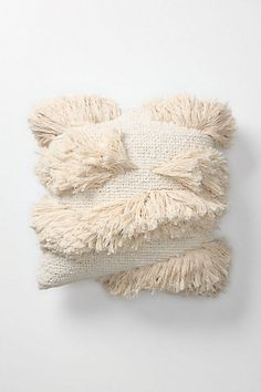 Anthropologie - Amalia Tufts Pillow (makes me want to pull out my tapestry weaving loom) Home Textile, Textile Art, Turbulence Deco, Textiles, Soft Furnishings, Fiber Art, Home Accessories, Decorative Pillows, Creations