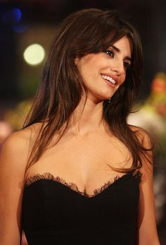 e88af_73817_celebutopia-penelope_cruz-elegy_premiere_at_the_58th_berlinale_film_festival-35_122_131lo-preview.jpg (373×550)