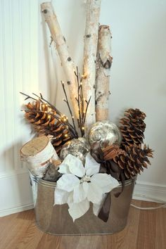 Bucket with Christmas Ornaments, Sticks, and Pinecones – 15 DIY Winter Decoratio… Eimer mit Christbaumschmuck, Sticks und Tannenzapfen – 15 DIY Winterdekoration Tutorials Noel Christmas, Country Christmas, Christmas Projects, Winter Christmas, Christmas Ideas, Modern Christmas, Simple Christmas, Natural Christmas, Fire Place Christmas Decor