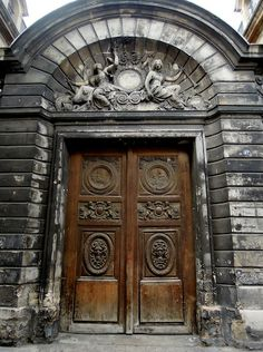 Marais ~ behind this stunning gate lies the magnificent 'Hôtel Amelot de Bisseuil'. Built in the late 1650s,