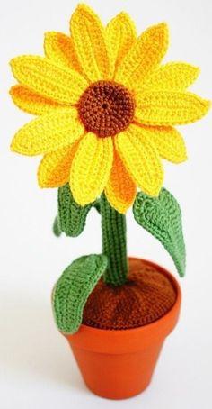 Crochet Baby Cardigan Free Pattern, Crochet Flower Patterns, Crochet Patterns Amigurumi, Crochet Doilies, Crochet Flowers, Crochet Toys, Knit Crochet, Crochet Deer, Crochet Sunflower