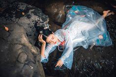my hanfu favorites — fuckyeahchinesefashion: Chinese hanfu fashion. Artistic Portrait Photography, Amazing Photography, Asian Style, Chinese Style, Chinese Fashion, Hanfu, Traditional Chinese, Traditional Outfits, Chinese Makeup