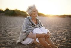 Nutrition & Diet for Elderly People Over 60 Vitamin D Deficiency, Salud Natural, Healthy Aging, Healthy Food, Stay Healthy, Healthy Habits, Healthy Tips, Elderly Care, Bone Health