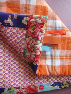 """Couverture bébé bohème tapis de jeux plaid tissu japonais """"pivoine"""" et madras"""