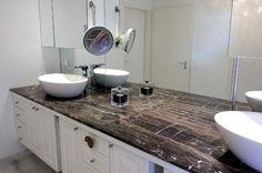 Magnifique plan vasque en pierre naturelle sur mesure tanga brown