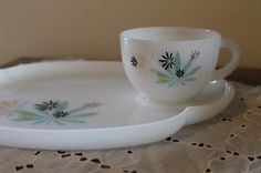 snack trays Snack Trays, Cottages, Tea Cups, Snacks, Tableware, Products, Cabins, Appetizers, Dinnerware