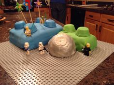 Hayden's Lego Star Wars cake