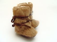 Furry Baby Boots / funkyshapes