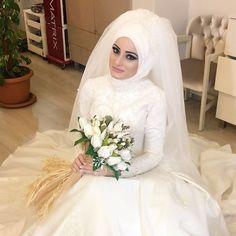 Türban tasarım makyaj @haticekasik 👏🏻👏🏻👏🏻 #wedding #weddingdress #makeup #love #turban #bride #bridal #gelin #gelinlik #gelinlikmodelleri #tesettür #tasarım #style #styleblogger #white #germany #france #dubai #usa #azerbaijan #turkey