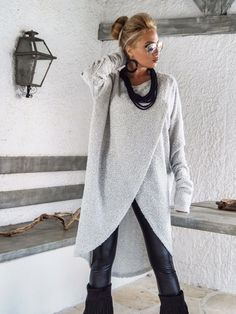 Winter Wool Tunic / Boucle Winter Warm Tunic / Winter Blouse / Plus Size Top / Long Sleeve Wool Top / Oversize Loose Blouse / Off White warme Wolle Boocle gestrickte asymmetrische Bluse Tunika Mode Outfits, Fall Outfits, Outfit Winter, Look Fashion, Winter Fashion, Fashion Women, Boho Fashion Over 40, High Fashion, Winter Blouses