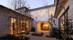 . Hmm, clapboard, stone & steel. Amalfi Residence by Studio William Hefner