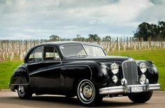 Classic Car News Pics And Videos From Around The World Austin Cars, Jaguar Daimler, Automotive Art, Vintage Ads, Cars Motorcycles, Luxury Cars, Cool Cars, Dream Cars, Antique Cars