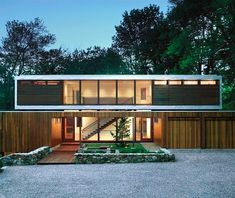 Early house by New Caanan, CT architect Eliot Noyes. Renovated by architect Joeb Moore. So fresh and modern. Architecture Résidentielle, Contemporary Architecture, Amazing Architecture, Contemporary Design, Style At Home, Modern Windows And Doors, Wood Windows, Design Moderne, Mid Century House