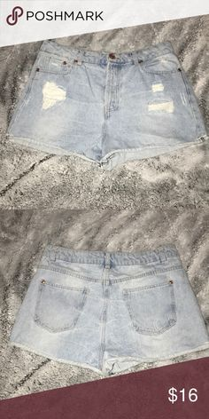 HIGH WAISTED DENIM SHORTS Super cute, only worn once Shorts Jean Shorts