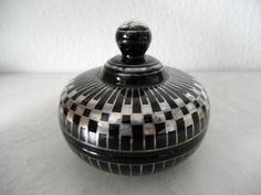 Art Deco Glas Deckeldose / Bonbonniere Silver Overlay Schwarzglas Böhmen (B737)x