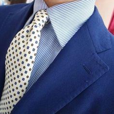 Handprinted Viola Milano silk tie