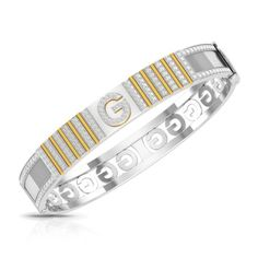 Say hello to this Chunky Gold diamond mens bracelet that is just perfect for the handsome groom of today. Gold Diamond Rings, Diamond Jewelry, Gold Jewelry, Diamond Earrings, Jewellery, Gents Bracelet, Jewelry Trends, Bracelets For Men, Fashion Rings