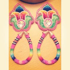 Keep Calm and Bead On — Osa roan Beaded Earrings Native, Beaded Earrings Patterns, Seed Bead Earrings, Beading Patterns, Beaded Jewelry, Beading Ideas, Powwow Beadwork, Native Beadwork, Native American Beadwork
