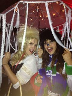 Eliza Taylor and Lindsey Morgan - Clarke Griffin and Raven Reyes II The 100 cast having fun