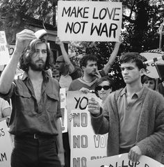 Anti-Vietnam war protesters march down Fifth Avenue near to 81st Street in New York City on April 27, 1968, in protest of the U.S. involvement in the…