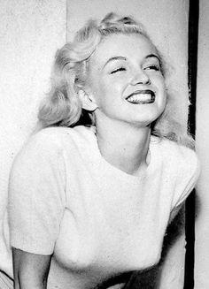 Beautiful Marilyn,  Love her smile