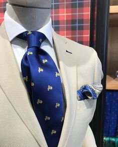 men suits 2017 -- Press Visit link above for more options Dressed To The Nines, Sharp Dressed Man, Well Dressed Men, High Fashion Men, Mens Fashion Suits, Mens Suits, Designer Suits For Men, La Mode Masculine, 3 Piece Suits