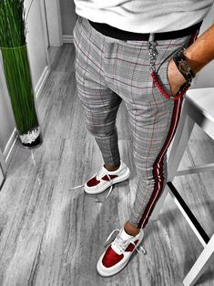 *This product will be released on September Avaiable only in two colors this Modern Striped Pants have a lot of style. With a gd ripped style it fits for all occasions. Material: Cotton and Polyester Style: Casual Thickness: Midweight Soft: Regular Mode Man, Herren Style, Stylish Mens Fashion, Men Fashion, Fashion Shirts, Fashion Styles, Fashion Rings, Fashionable Outfits, Style Fashion