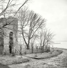 Circa 1905 photo of the 17th century brick church tower on Jamestown Island. For decades this was the only visible remnant of the first permanent English colony in North America. Through most of the 19th century there was no formal visitation; people simply took their boats to the island to picnic near the tower.