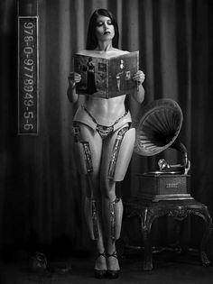 Seductive Cyborg Shoots - Jeffery Scott Photography Blends Machines With Mistresses (GALLERY)