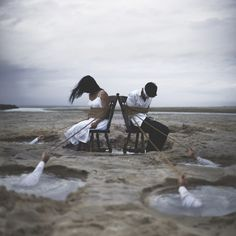 Nicolas Bruno creates sleep paralysis photography as a way to cope with this scary disorder Surrealism Photography, Conceptual Photography, Dark Photography, Creative Photography, Portrait Photography, Nicolas Bruno, Sleep Paralysis, Surreal Photos, Film Stills