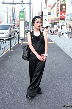 Japanese student and photographer ArisaK on the street in Harajuku with a wide leg Limi Feu jumpsuit, a beanie and shoes by Stussy Women, and a DKNY leather backpack. Japanese Street Fashion, Tokyo Fashion, Harajuku Fashion, Fashion Outfits, Harajuku Style, Fashion 2014, Korean Fashion, Neko, Stussy Women