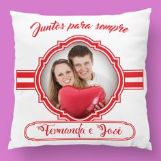 Personaliza uma almofada para o dia dos namorados com uma foto vossa!  #zizimut #funnytshirts #tshirts #hoodies #sweatshirt #giftshops #personalizedgifts #personalizadas #porto #tshirtshop #almofadas #pillows #diadosnamorados #valentinesday #amor #love #prenda #presente #gift