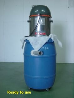 R2D2 Dust Collector by niki -- Homemade dust collection system powered by a vacuum cleaner motor and a utilizing 25-gallon plastic, cabbage pickling drum. http://www.homemadetools.net/homemade-r2d2-dust-collector