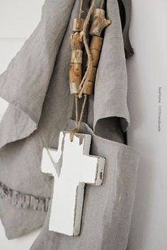 Drewniany krzyż - SeeHome - Dekoracje