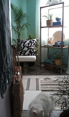 FOCAL POINT STYLING: transforming a home with thrift