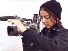 Hana Makhmalbaf (1988) Irán. Película na exposición: Buda explotó por vergüenza (2007) https://www.pinterest.com/pin/568509152932823283/
