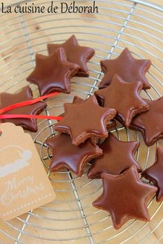 Stars with chocolate ice cream - Cookies / Biscuits - noel Easy Christmas Cookie Recipes, Best Christmas Cookies, Noel Christmas, Xmas, Cinnamon Cream Cheese Frosting, Cinnamon Cream Cheeses, Best Chocolate, Chocolate Recipes, Chocolate Cookies
