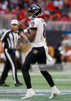 News Photo   Lamar Jackson of the Baltimore Ravens looks to... Lamar Jackson 8ce813bd3