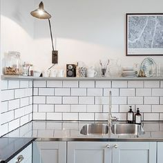 Warning: You'll Want to Reno After Looking at These 9 Ideas for Stainless Steel Kitchen Countertops Home Interior, Kitchen Interior, New Kitchen, Kitchen Dining, Kitchen Decor, Vintage Kitchen, Mini Kitchen, Dining Room, Kitchen Countertops