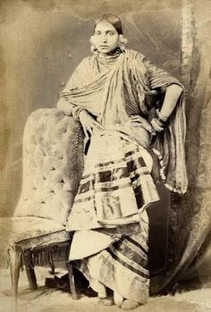In this rare collection of photographs we encounter the sumptuously attired courtesans of Lucknow. Dated from 1874 and titled 'Beauties of Lucknow,' the album offers a tantalizing view into the lives of these women. Antique Photos, Vintage Photographs, Old Photos, Vintage Photos, History Of India, Women In History, Art History, Vintage Glamour, Vintage Beauty