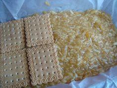 Prajitura cu mere si biscuiti - CAIETUL CU RETETE Biscuit, Deserts, Bread, Check, Food, Fine Dining, Desserts, Biscuits, Breads