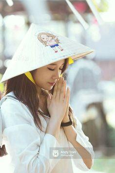 Park Ji Yeon [T-ARA] Vietnamese Traditional Dress, Vietnamese Dress, Ao Dai, South Korean Girls, Korean Girl Groups, Park Ji Yeon, Beautiful Vietnam, T Ara Jiyeon, Sweet Lady