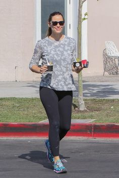 Jennifer Garner wearing Newton Running Kismet Sneakers