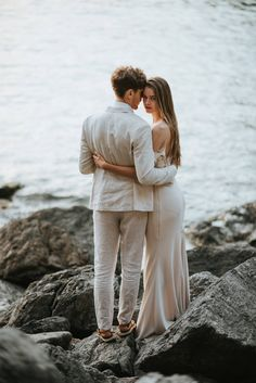 Stunning wedding in a small Tuscan seaside village via Magnolia Rouge