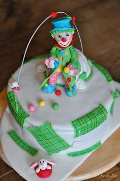 The clown and the cake.